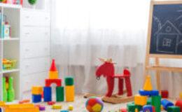 Jak przechowywać zabawki w pokoju dziecięcym? Sprawdzone porady!